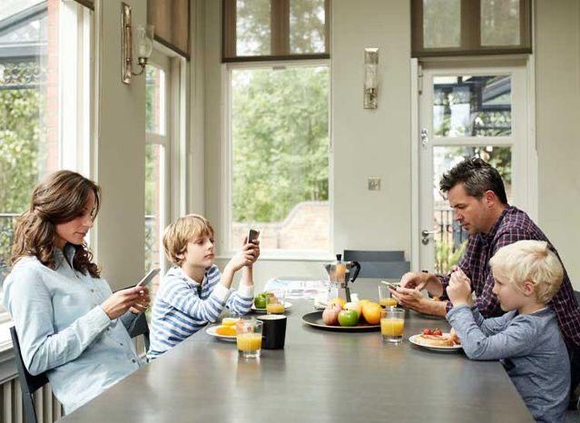 Можно ли в современном мире вырастить ребенка совсем без гаджетов?