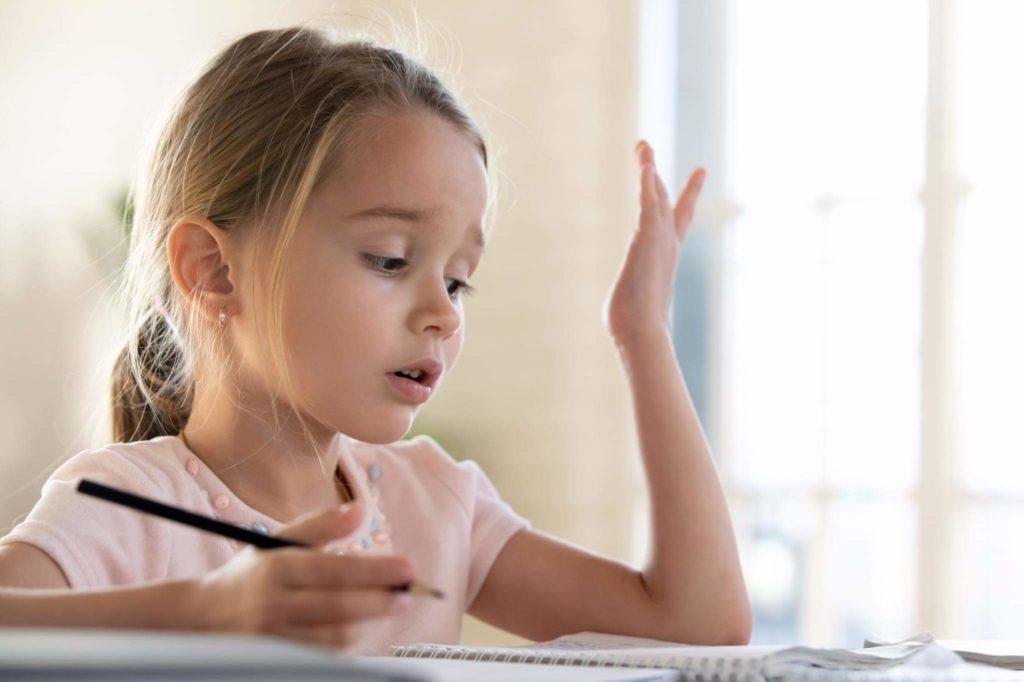 Почему многие дети пишут как курица лапой
